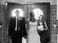 Bruden ankommer med far og brudepige