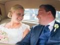 Brudeparret i bilen