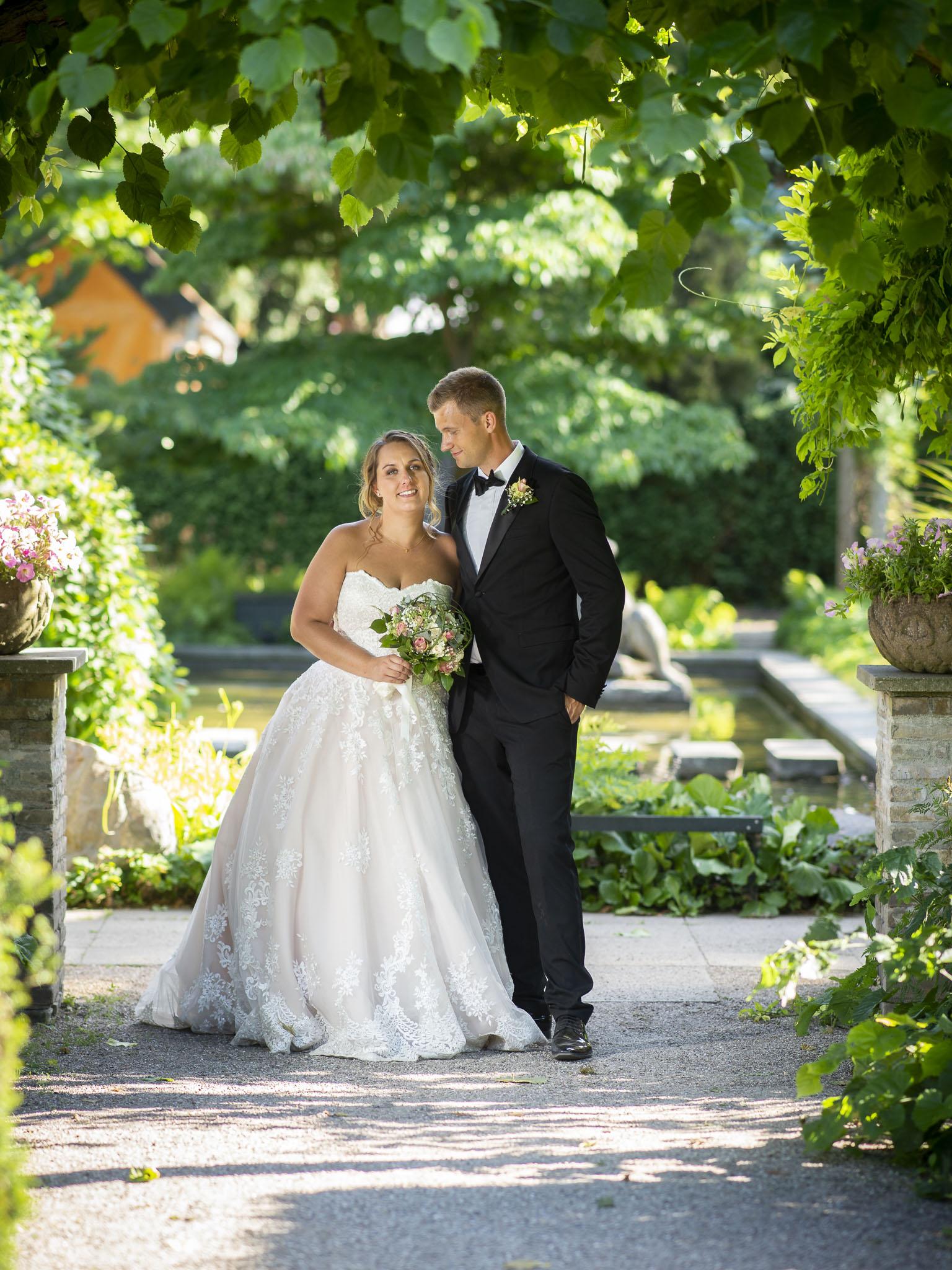 Brudepar i Josty