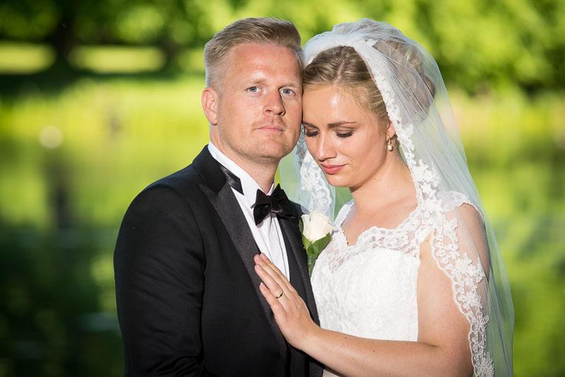 Brudepar ved Hørsholm kirke